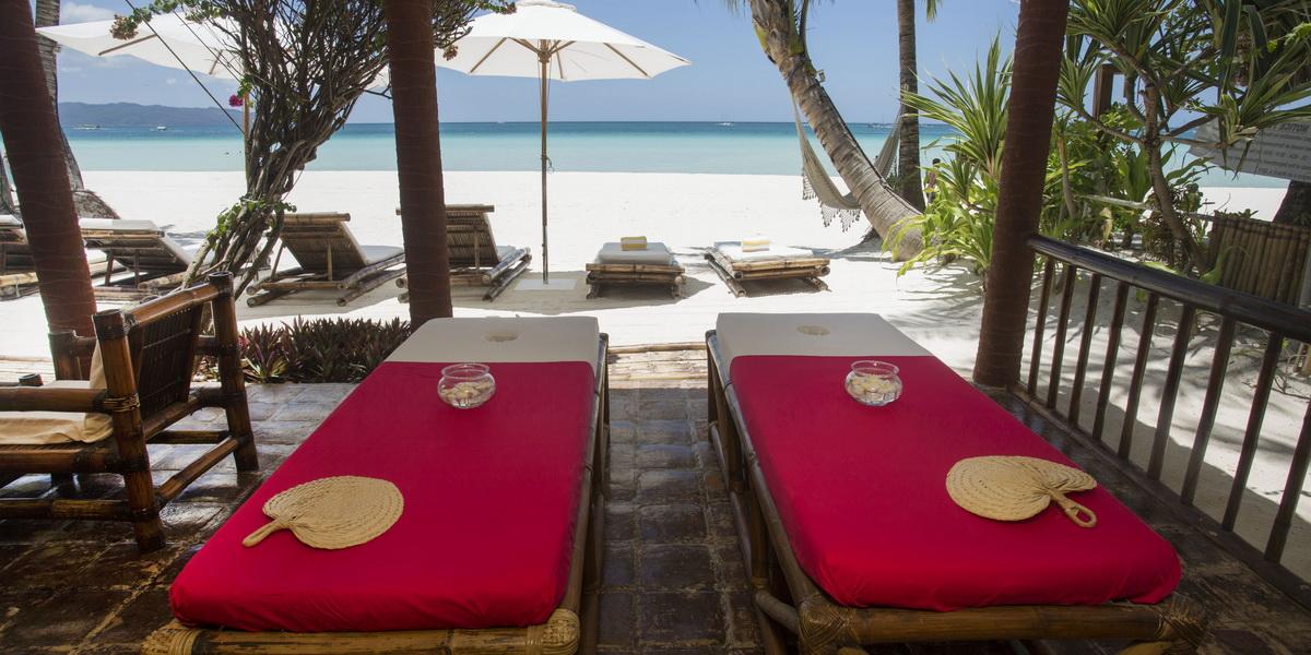 03-Robinson-Beach-House-Boracay